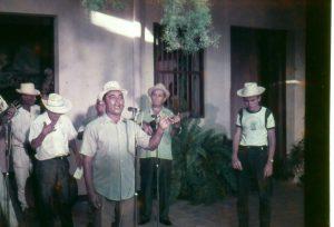 Jesus Romero entonando el Galeron, Margarita 1974